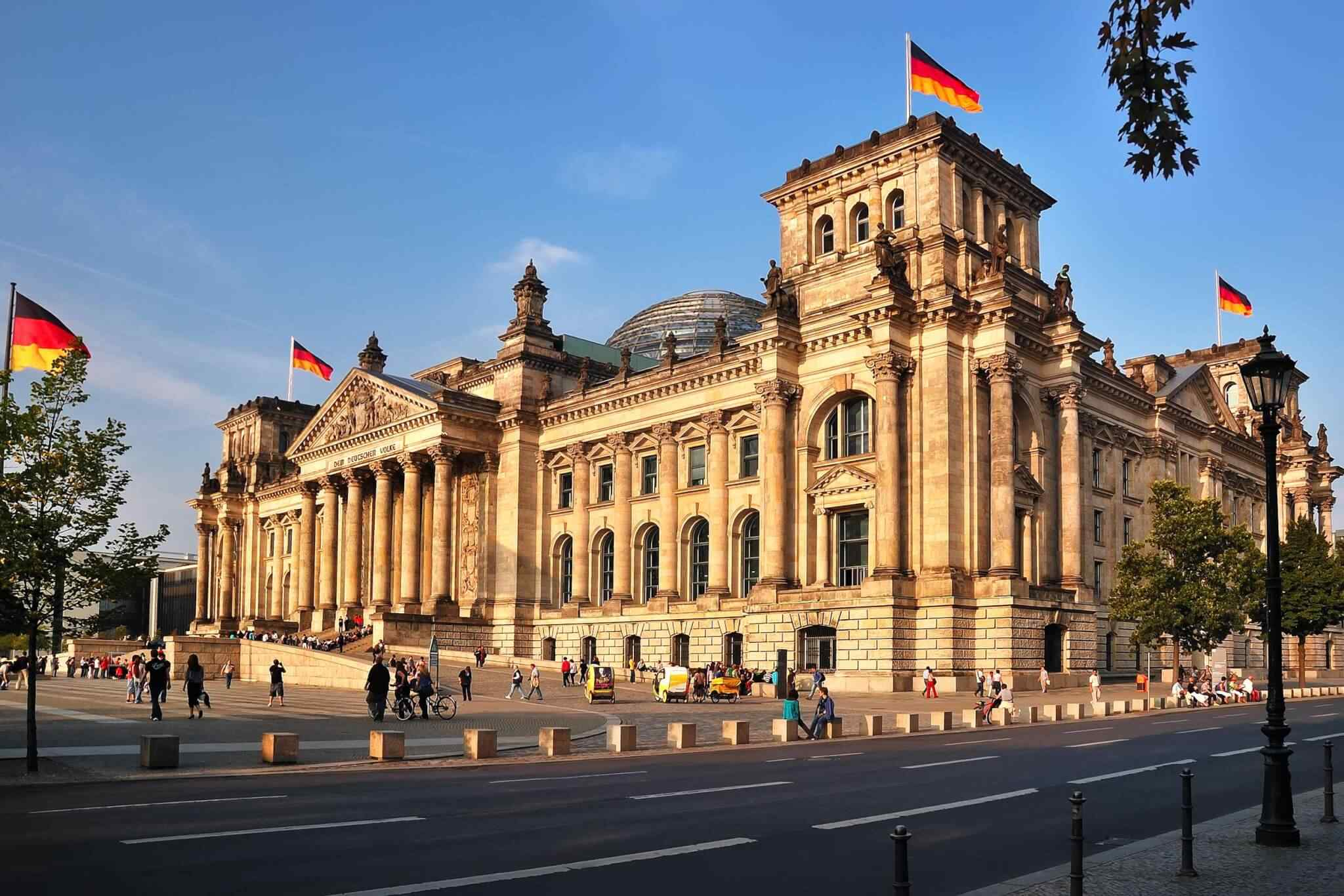 https://oltintourism.uz/wp-content/uploads/2019/06/destination-berlin-01.jpg